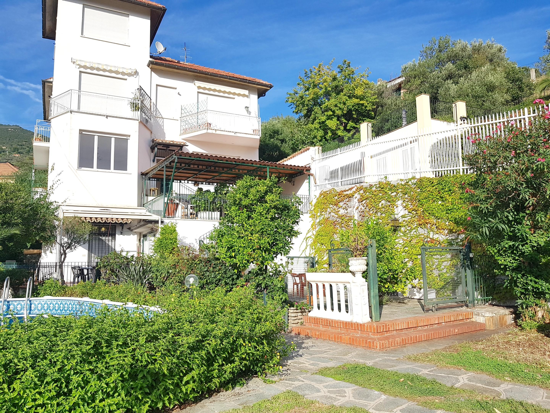 ALASSIO Appartamento  in villa con vista mare